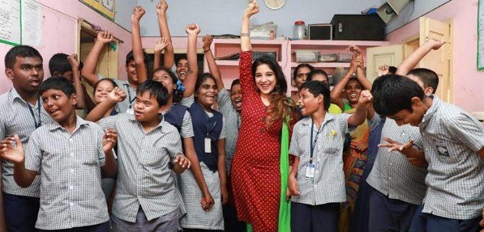 குழந்தைகளின் தன்னம்பிக்கை என்னை மெறுகேற்றியது – நடிகை சாக்ஷி அகர்வால்