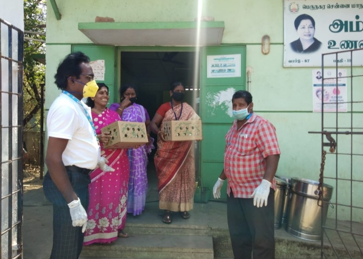 Thirumala Milk distributes free products to all COVID Warriors including Police, Social Workers & Waste Disposal Teams
