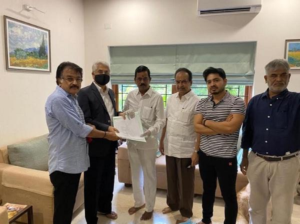 தமிழ் திரைப்பட தயாரிப்பாளர்கள் சங்க உறுப்பினர்கள் காப்பீட்டு பிரீமியம் மூலம் பயனடைய காரணமாக இருந்த சூர்யாவின் நன்கொடை